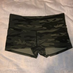 Lululemon Camoflauge Booty Shorts Spandex